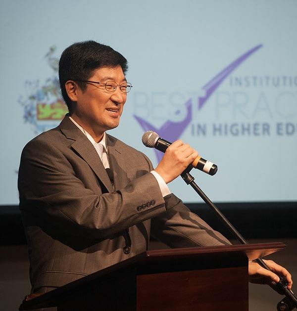 Stanford University's Dr Paul Kim. Photo by Mark Lyndersay.