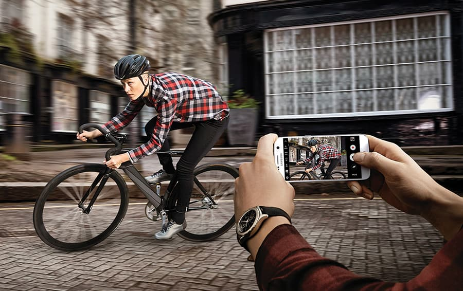 The new Samsung S7's camera in use. Photo courtesy Samsung.