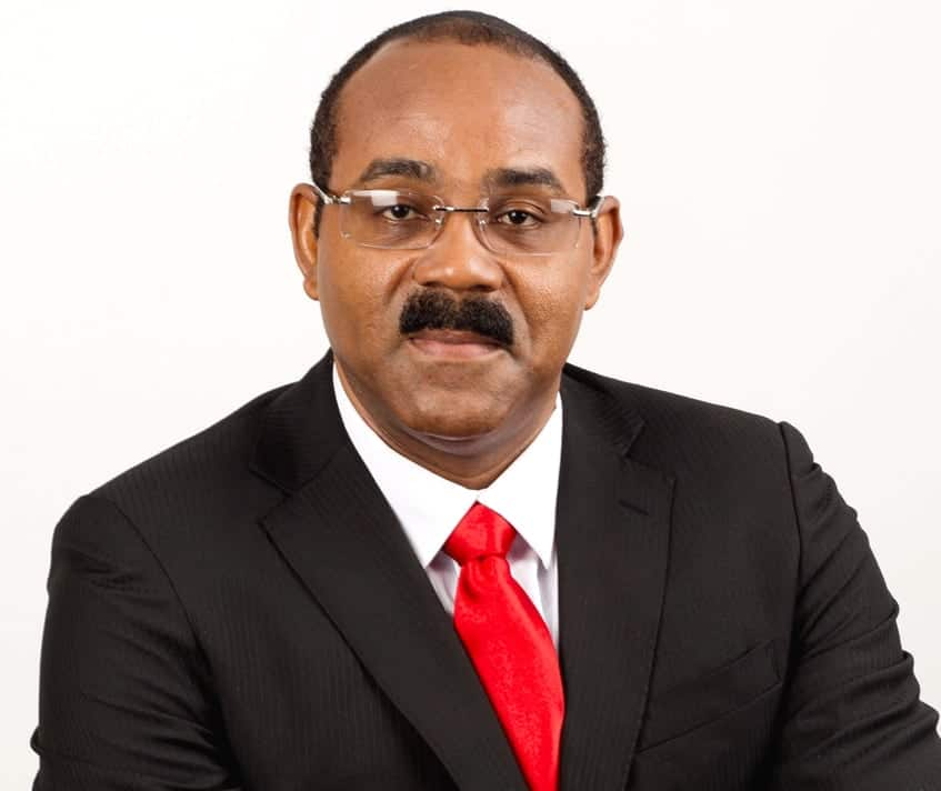 Antigua promises war with Digicel, Flow over tax agreements